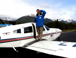 Henry Jenné Aeroporto da Guarda-Marinha de Puerto Williams, no retorno a Ushuaia. livro 21 dias nos confins do mundo