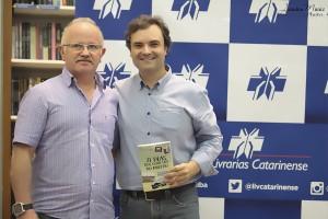 21 Dias Nos Confins do Mundo autor Henry Jenné editora Novo Século João Marques