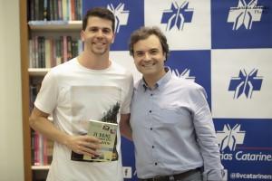 21 Dias Nos Confins do Mundo autor Henry Jenné editora Novo Século Guilherme Becker