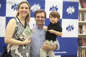 21 Dias Nos Confins do Mundo autor Henry Jenné editora Novo Século Claudia Soares