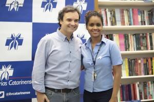 21 Dias Nos Confins do Mundo autor Henry Jenné editora Novo Século Micheli Livrarias Catarinense