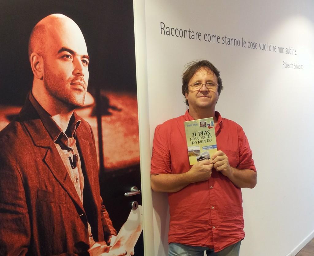 Livro 21 Dias Nos Confins do Mundo do autor Henry Jenné, editora Novo Século, pelo mundo