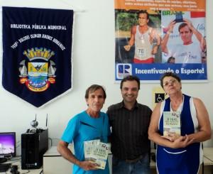 Visita do escritor Henry Jenné autor do livro 21 Dias Nos Confins do Mundo a Biblioteca Pública Municipal de Barra Velha/SC