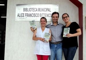 Visita do escritor Henry Jenné autor do livro 21 Dias Nos Confins do Mundo a Biblioteca Pública Municipal de Ilhota/SC