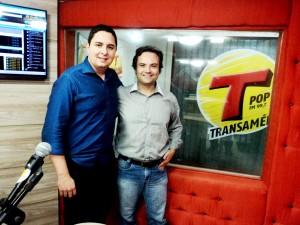 Entrevista Canal Transamérica Pop com Calebe Moreno sobre livro 21 Dias Nos Confins do Mundo do autor: Henry Jenné