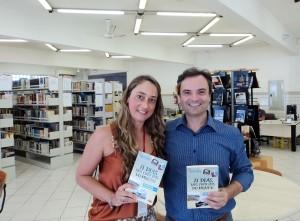 visita do escritor Henry Jenné autor do livro 21 Dias Nos Confins do Mundo a Biblioteca Pública de Florianópolis SC