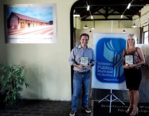 Visita do escritor Henry Jenné autor do livro 21 Dias Nos Confins do Mundo a Biblioteca Pública Municipal de Jaraguá do Sul/SC