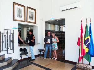 Visita do escritor Henry Jenné autor do livro 21 Dias Nos Confins do Mundo a Biblioteca Pública Municipal de Joinville/SC