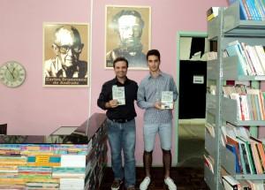 visita do escritor Henry Jenné autor do livro 21 Dias Nos Confins do Mundo a Biblioteca Pública de Apiúna SC