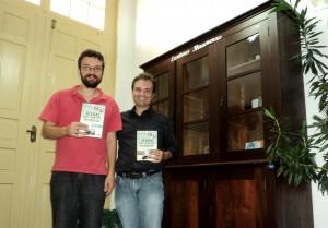 visita do escritor Henry Jenné autor do livro 21 Dias Nos Confins do Mundo a Biblioteca Pública de Ibirama SC