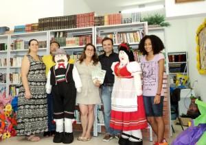 visita do escritor Henry Jenné autor do livro 21 Dias Nos Confins do Mundo a Biblioteca Pública de Rodeio SC