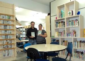 visita do escritor Henry Jenné autor do livro 21 Dias Nos Confins do Mundo a Biblioteca Pública de Timbó SC