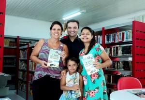 Visita do escritor Henry Jenné autor do livro 21 Dias Nos Confins do Mundo a Biblioteca Pública Municipal Fritz Muller de Bombinhas - Zimbros/SC