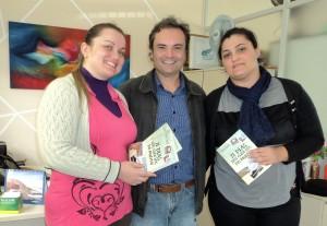 Visita do escritor Henry Jenné autor do livro 21 Dias Nos Confins do Mundo a Biblioteca Publica de Paulo Lopes
