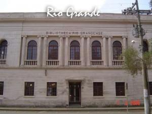 Biblioteca Pública Municipal do Estado do RS que recebeu exemplares do livro 21 Dias Nos Confins do Mundo do escritor Henry Jenné rio grande
