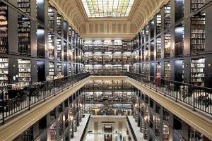visita do escritor Henry Jenné a Biblioteca Nacional Brasileira FBN