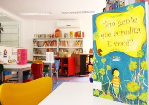 interior da Biblioteca Parque da Rocinha