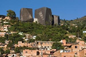 Visita do escritor henry jenné as bibliotecas do Rio de Janeiro